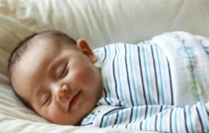 5 mẹo giúp trẻ sơ sinh ngủ ngon xuyên đêm mẹ nên biết