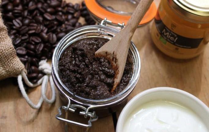 Bật mí công thức làm trắng da bằng hỗn hợp bã cafe