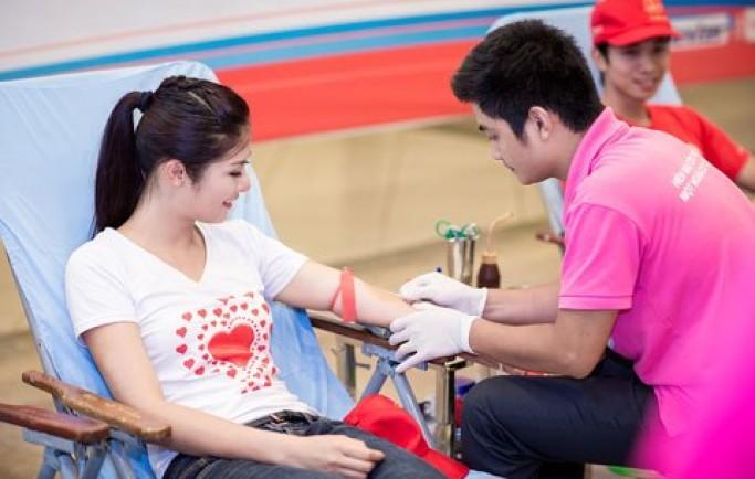 Bệnh nhân ung thư được san sẻ những giọt máu nghĩa tình từ tình nguyện viên
