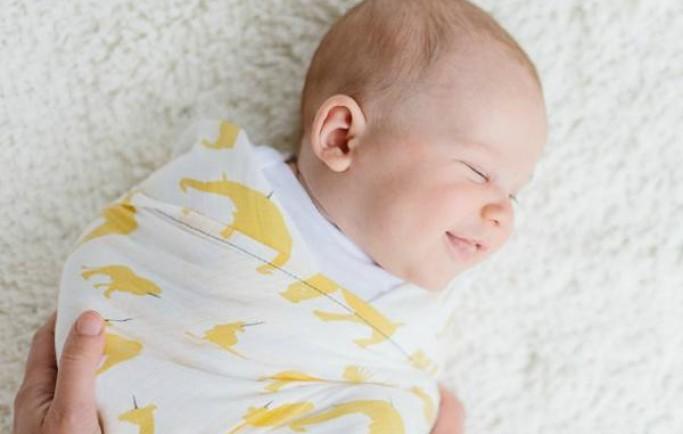 Các điểm nhìn lạ mắt ở trẻ sơ sinh nhưng lại là điều tốt cho trẻ