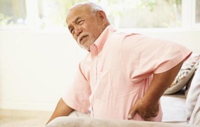 Cách chữa đau lưng nhanh nhất cho người già hiệu quả