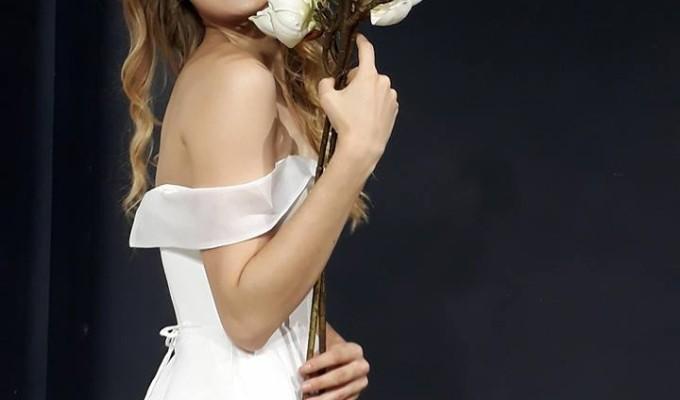 Chọn áo cưới đơn giản, tinh tế cho cô dâu năm 2018