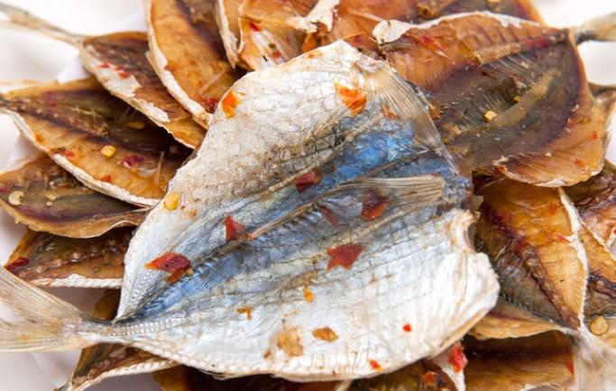 Dịch vụ chuyển cá cơm khô đi singapore giá rẻ