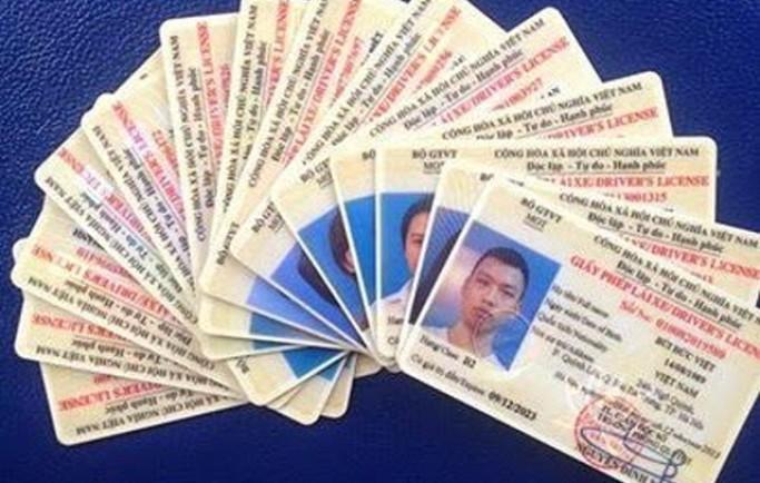 Dịch vụ đổi giấy phép lái xe moto sang thẻ pet tại HCM