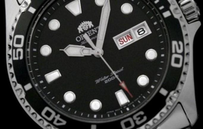 Đồng hồ Orient dây kim loại FAA02003B9  cứng cáp độ chính xác cao