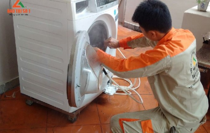 Gọi số 0988 230 233 đặt lịch sửa máy giặt royal city uy tín
