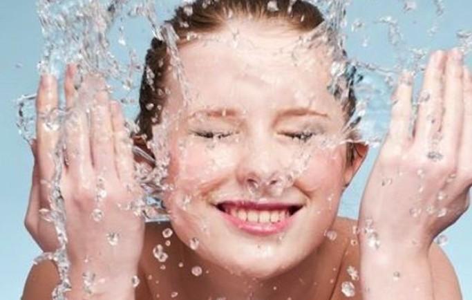 Hướng dẫn rửa mặt và chăm sóc da giúp da đẹp và săn chắc hơn