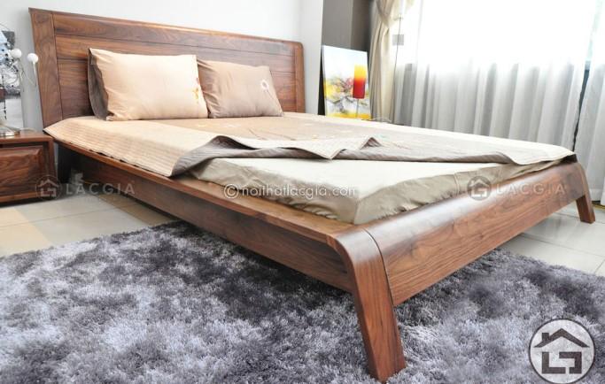 Hướng kê giường ngủ gỗ đẹp hợp người sinh năm 1983
