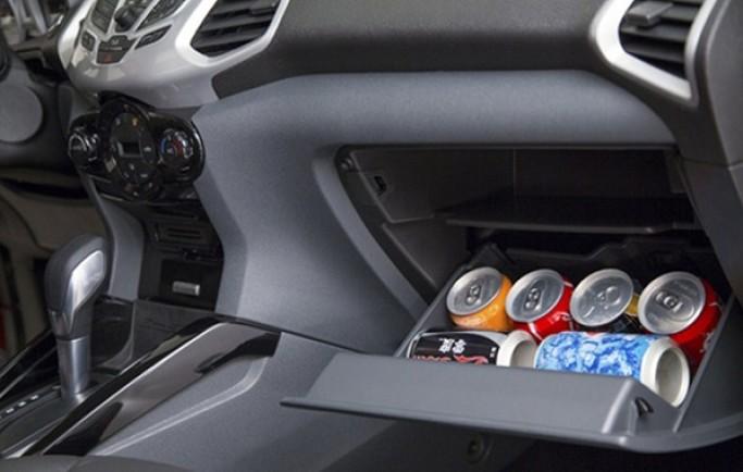 Không nên để các vật sau trong xe ô tô ngày nắng nóng