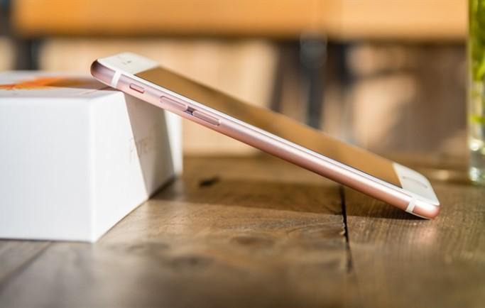 Lý do nên chọn iPhone 6S cũ quốc tế thay vì iPhone 8 cũ ?
