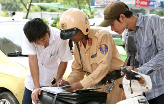 Những lỗi vi phạm bị tước giấy phép lái xe khi điều khiển xe ô tô