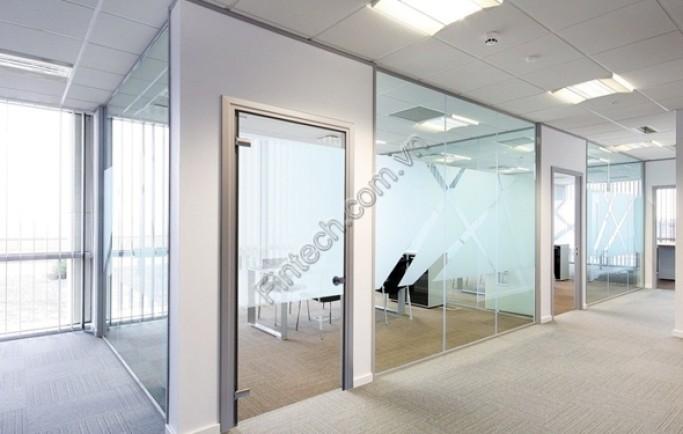 Tổng hợp các vách kính cường lực văn phòng phổ biến