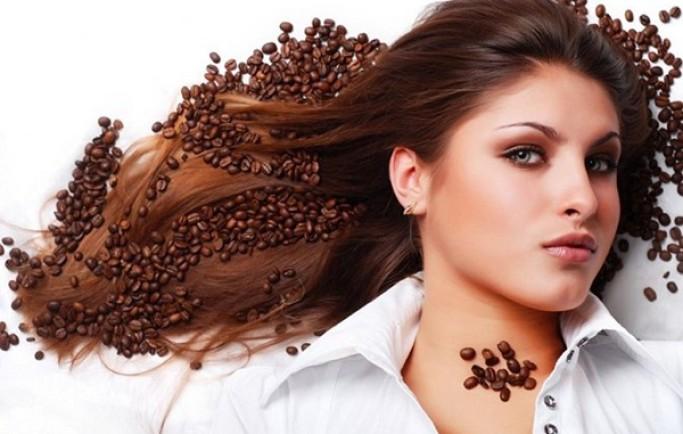 Trị thâm quầng mắt bằng cà phê