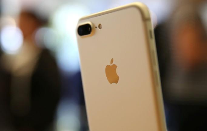 Vì sao nên mua iPhone 7 cũ và 7 Plus cũ hơn iPhone Xs mới