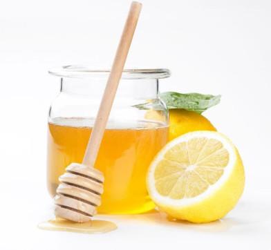 trị nám da mặt với mật ong và chanh