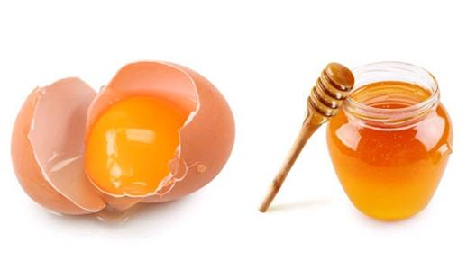 Mật ong và lòng trắng trứng trị mụn