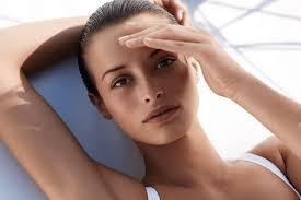 Tìm hiểu về các nguyên nhân gây sạm da đầu