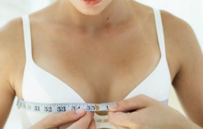 Tại sao ngực phái đẹp bên to bên nhỏ?