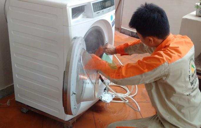 Tập Đoàn Việt nhận sửa máy giặt Electrolux tại nhà triệt để lỗi hết