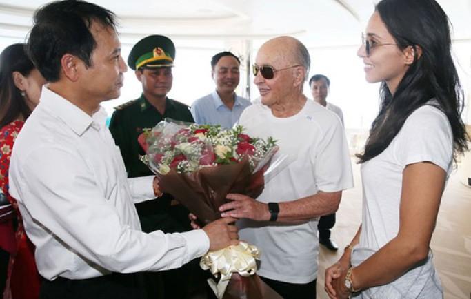 Tin từ 8live:Cùng siêu du thuyền thăm vịnh Hạ Long, ông chủ Tottenham xem xét đưa đội bóng tới Việt Nam