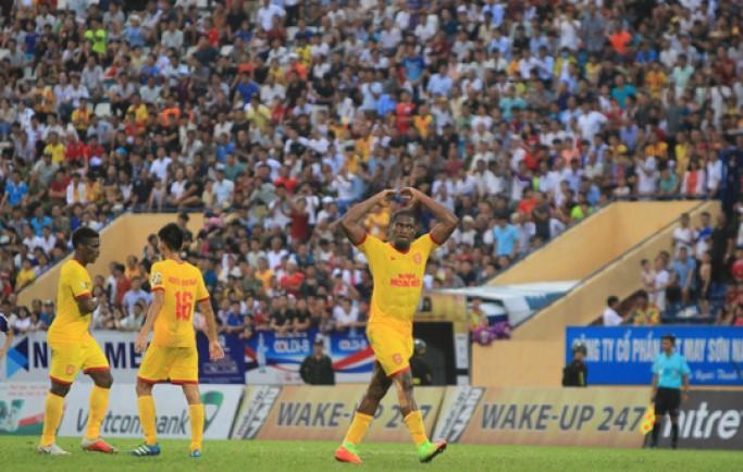 Tin từ 8live Thua Nam Định, Hà Nội FC chưa biết thắng khi xa sân Hàng Đẫy