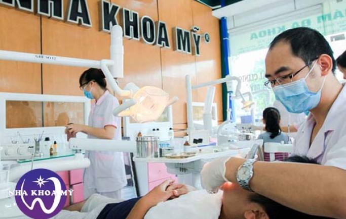 Trồng răng khểnh giả – Kiến tạo nụ cười xinh